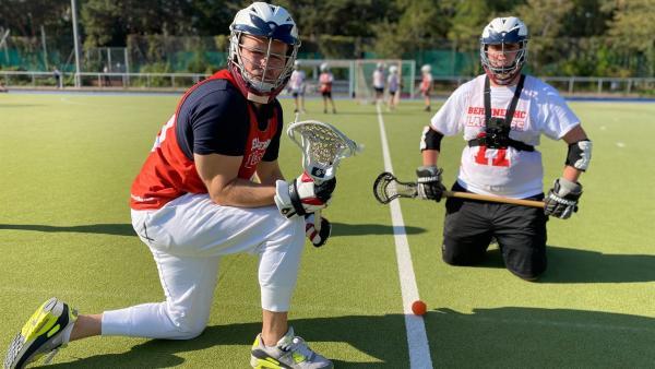 Ben beim Hobby Lacrosse | Rechte: KiKA/Sakina Gaba