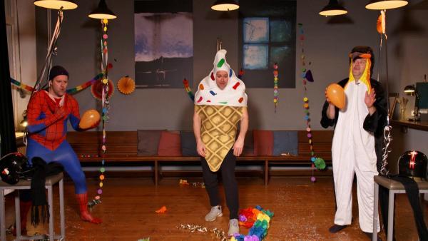 Ben feiert Karneval. | Rechte: KiKA