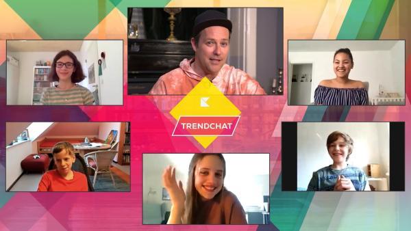 Die Trendexperten kommen aus der  7. Klasse des Friedrich-Ebert-Gymnasiums. Ben erfährt, was die Schülerinnen und Schüler aus Hamburg momentan bewegt. | Rechte: KiKA