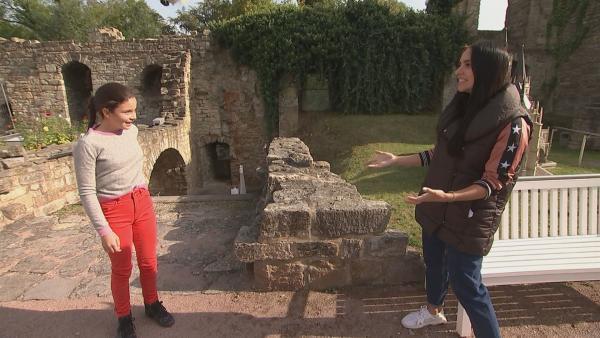 Jess mit Amelie, die schon ihre dritte Staffel meistert. | Rechte: KiKA/Andrea Thoben
