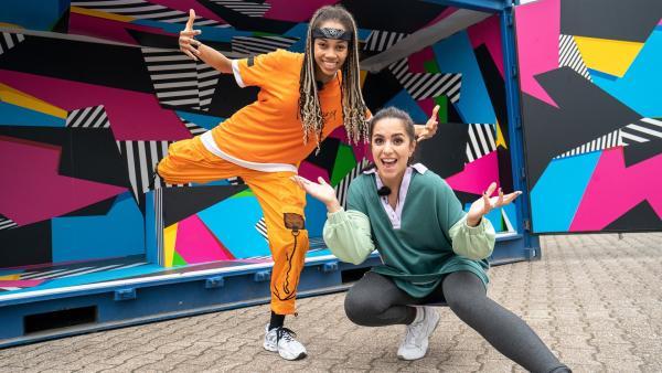 Jess trifft die Urban-Dance-Tänzerin Cameroon Collins an ihrem großen Wettkampftag. Kann sie sich ein paar coole Tanzmoves von Cameroon abschauen? | Rechte: KiKA/Tim Egner
