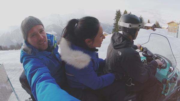 Es geht abwärts! Rodeln mit Ben und Jess, Winterwoche Tag 2 | Rechte: KiKA