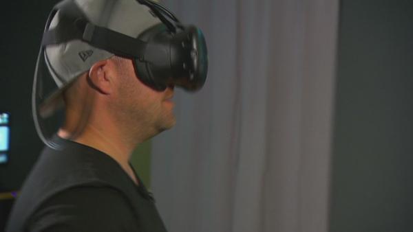 Jess und Ben machen die VR-Challenge | Rechte: KiKA