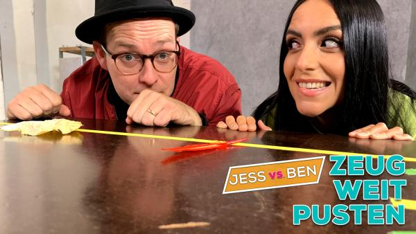 Jess vs. Ben – Zeug-Weitpusten | Rechte: KiKA / Torben Hagenau