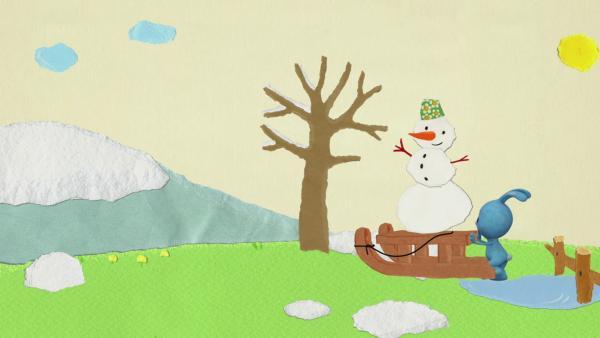 Kikaninchen bringt einen Schneemann in Sicherheit | Rechte: KiKA