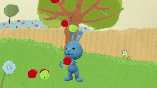 Kikaninchen jongliert mit Äpfeln | Rechte: KiKA