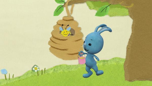 Kikaninchen rettet ein Bienchen vor dem Regen | Rechte: KiKA