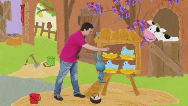 Kikaninchen sammelt Hühnereier ein | Rechte: KiKA