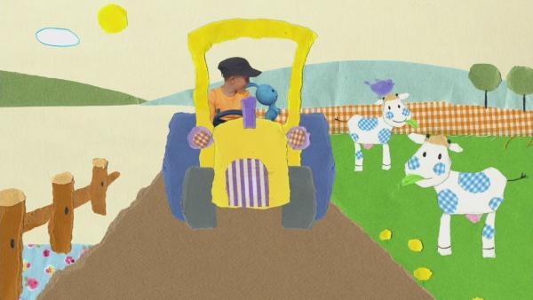 Auf dem Traktor unterwegs | Rechte: KiKA