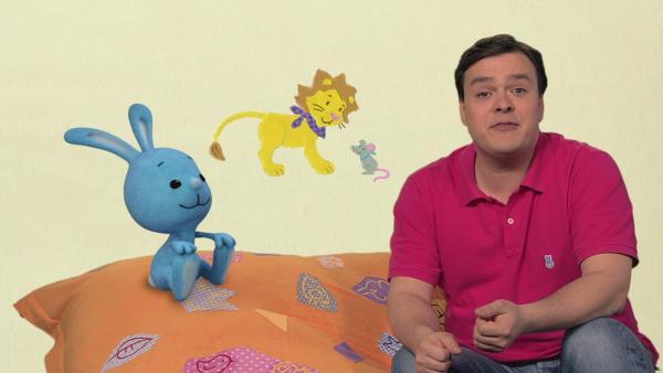 Die kleine Maus und der Löwe fahren Schlittschuh | Rechte: KiKA