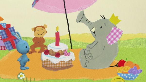 Orangensaft für die Elefantenparty | Rechte: KiKA