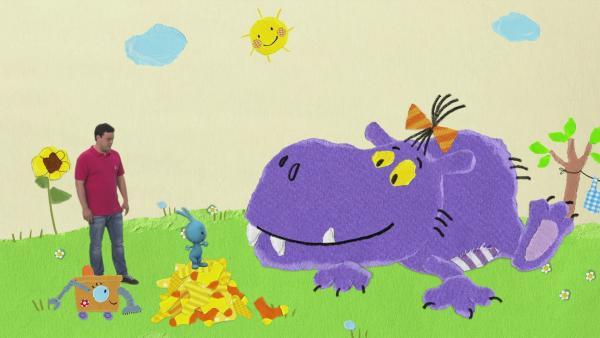 Auf Sockensuche beim lila Monster | Rechte: KiKA