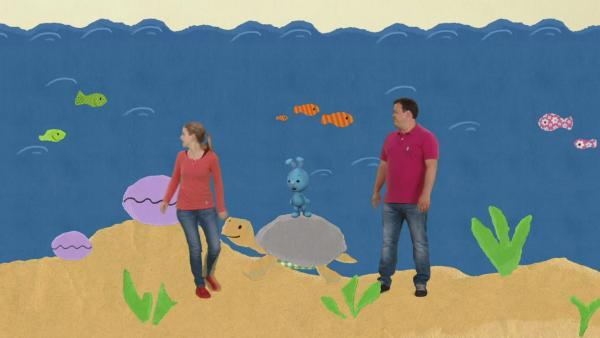 Kikaninchen, Anni und Christian unter Wasser | Rechte: KiKA