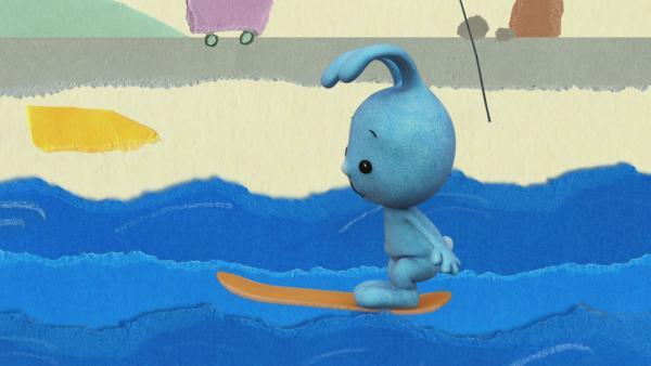 Ein Skateboard wird zum Surfbrett | Rechte: KiKA