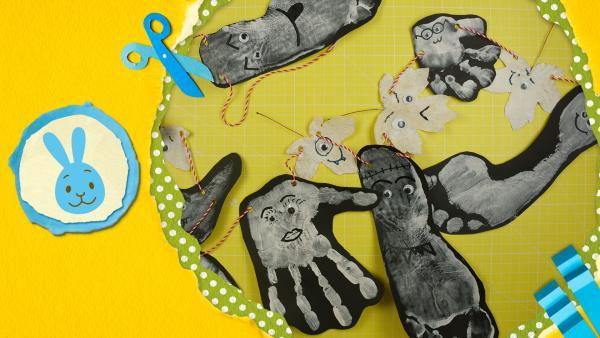 Gruselige Girlande aus Händen, Füßen und Blättern zu Halloween | Rechte: KiKA