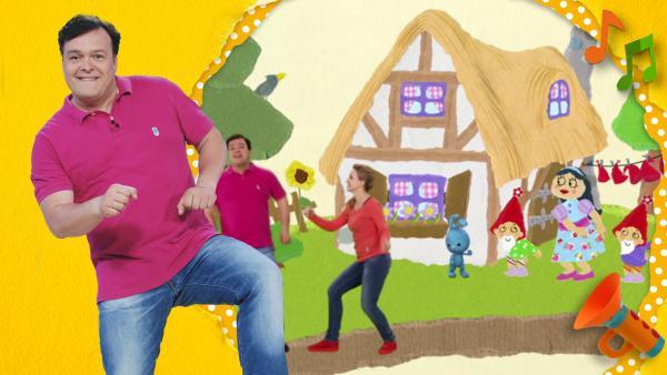 Christian hebt sein rechtes Bein hoch und tanzt den Rumpelstilzchentwist. | Rechte: KiKA