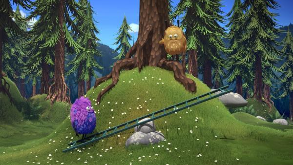 Kiwi und Strit lassen sich einiges einfallen, um den Ballon zurück zu holen. | Rechte: NDR/Copenhagen Bombay