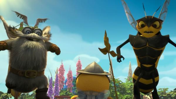 Senior Silbermotte und Horatio Hornisse wetteifern, wer die beste Geschichte erzählen kann. Beide behaupten, vor langer Zeit eine flugunfähige Biene heldenhaft gerettet zu haben. Ob diese Biene Distel war, der heute eine Wächterbiene des Bienenstocks ist? | Rechte: ZDF/2019 - METHOD ANIMATION - BIDIBUL PRODUCTIONS - ZDF ENTERPRISES