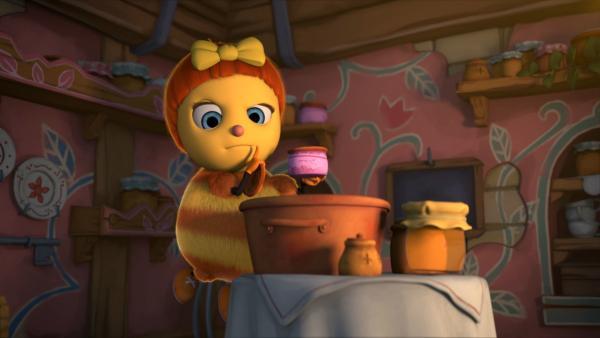Josefine, die Biene, ist erschrocken: Wie kann es sein, dass ihr die Rosenmarmelade nicht gelungen ist? Das Rezept kennt sie doch schon seit der Kindheit. Ob die Plagegeister etwas mit der ungenießbaren Marmelade zu tun haben? | Rechte: ZDF/2019 - METHOD ANIMATION - BIDIBUL PRODUCTIONS - ZDF ENTERPRISES