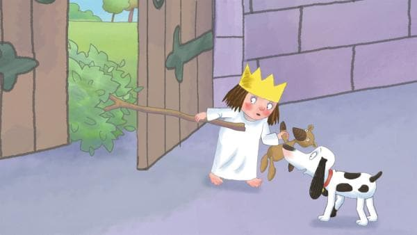 Die kleine Prinzessin will sich eine Höhle bauen und schleppt einen großen Ast mit nach Hause. | Rechte: ZDF/Illuminated Film Ltd.