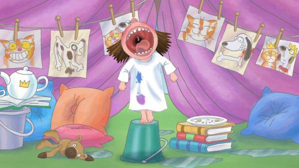 Die Kleine Prinzessin hängt eine Decke über einen Ast, beschwert die Decke am Boden und richtet sich das Zelt wohnlich ein. Doch dann setzt ein Gewitter ein, alles wird nass und alle müssen rasch ins Haus. | Rechte: ZDF/Illuminated Film Ltd.