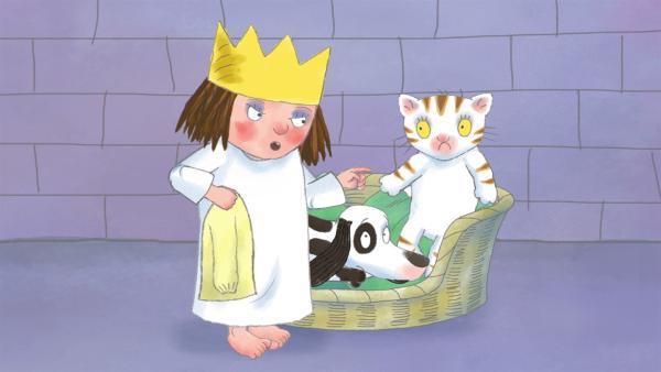 Die kleine Prinzessin will ihre alten Kleider nicht hergeben. | Rechte: ZDF/Illuminated Film Ltd.