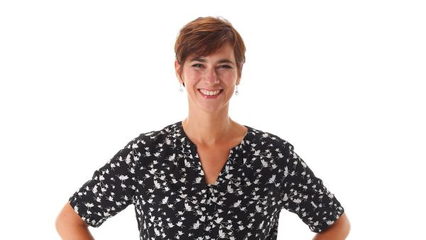Für die fachliche Betreuung der Probleme und Fragen, die über den Kummerkasten eingesendet werden, ist die Beraterin der Diakonie Sabine Marx zuständig. | Rechte: KiKA/Carlo Bansini