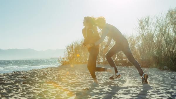 Das erste Date steht bevor und somit auch Aufregung und Unsicherheit. | Rechte: KiKA/Getty Images/Merbe