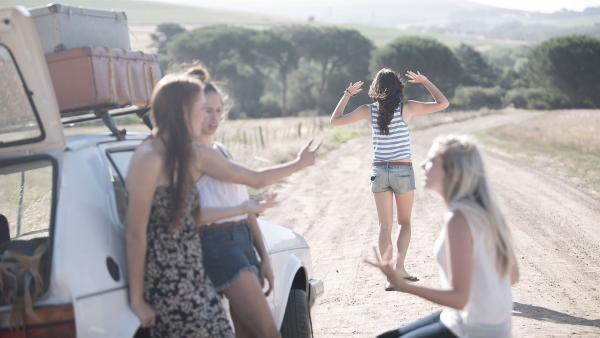 Freunde machen das Leben bunter, sie sind immer für einen da, hören zu und machen einfach jeden Quatsch mit. Aber oft genug kracht es auch richtig. | Rechte: KiKA/Getty Images/Westend61