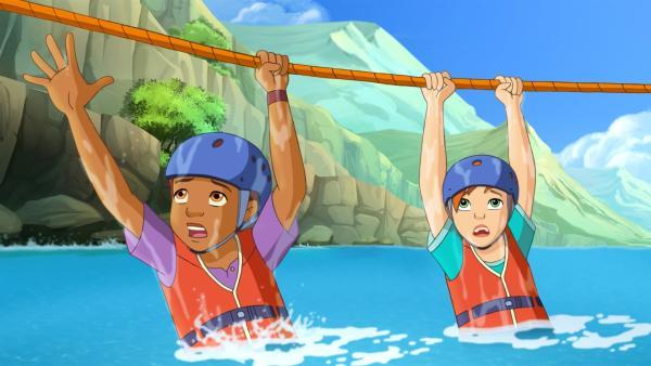 Ranger Graham versucht Harvey und Zoe mit einem Seil aus der Strömung zu retten. | Rechte: ZDF/Classic Media/DC Entertainment/Superprod