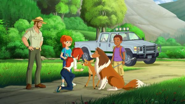 Zoes Eltern sind froh, dass alle unversehrt zurück sind. | Rechte: ZDF/Classic Media/DC Entertainment/Superprod