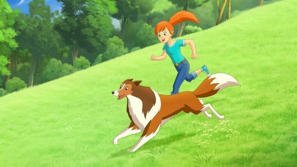 Zoe und Lassie erfreuen sich an der wunderschönen Landschaft in der Graham, Zoes Vater,  als Kind lebte. | Rechte: ZDF/Classic Media/DC Entertainment/Superprod