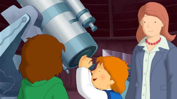 Tommy freut sich. Mit dem Teleskop der Sternwarte kann man den Sternenhimmel ganz nahe sehen.   Rechte: ZDF/Mondo tv/ZDF-E