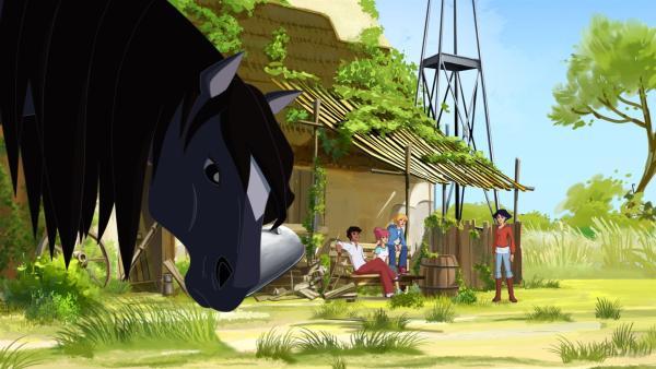 Lena versteckt das Pferd und nennt es Mistral. | Rechte: hr/Tele Images