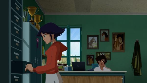 Lena und Angelo durchsuchen Lorcas Büro. | Rechte: hr/Télé Images