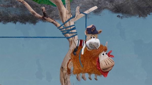 Unfreiwillig haben Barne und Salty Flöckchens Haus an einem Baum festgebunden. | Rechte: KiKA/Sixteen South