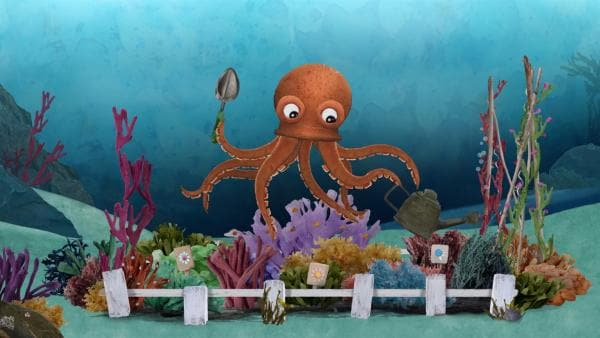 Tief im Meer entdeckt Lily einen Oktopus, der seinen bunten Korallengarten pflegt. | Rechte: KiKA/Sixteen South