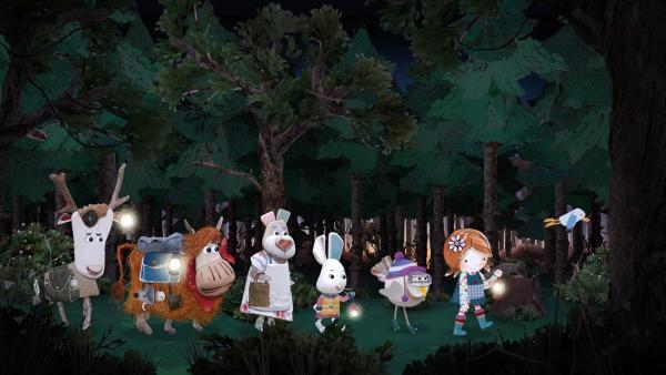 Lily und die anderen folgen Salty in den Wald und fürchten sich, weil es schon so dunkel ist. | Rechte: KiKA/Sixteen South