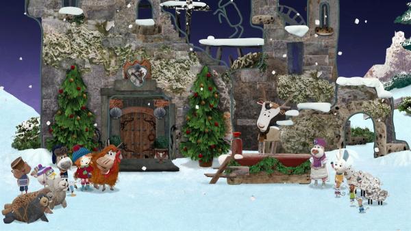 """Lord von Hirsch begrüßt Lily und die Bewohner von Strandschatz Eilandzur großen """"Schloss Lord von Hirsch - Weihnachtslichterwelteröffnung"""".   Rechte: KiKA/Sixteen South"""