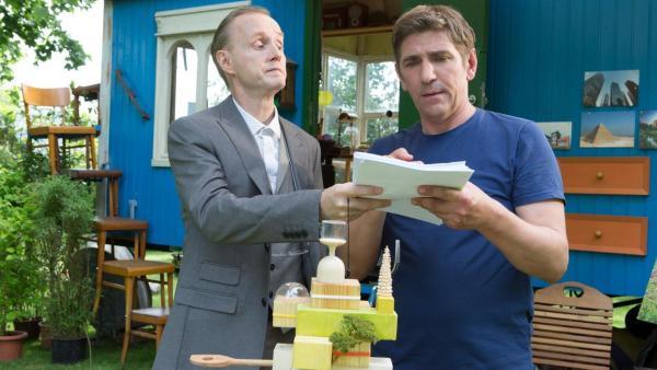 Her Kluthe und Fritz vor dem Bauwagen   Rechte: ZDF