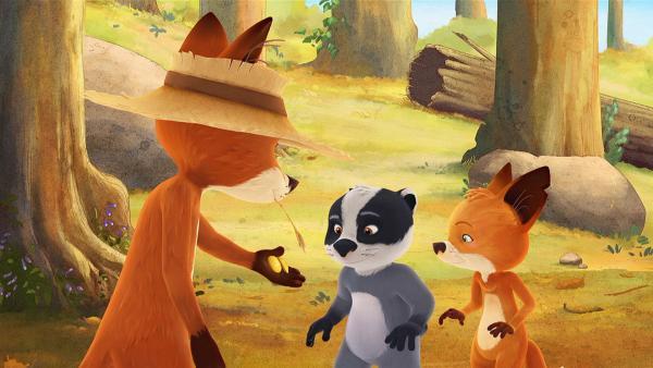 Bruno hat zwei glänzende Schätze im Wald gefunden und schenkt sie Rosie und Matteo. | Rechte: WDR/Mediatoon