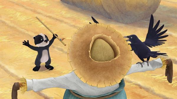 Luis stellt sich mutig seinem Gegner. Er will den Hute der Vogelscheuche haben.   Rechte: WDR/Mediatoon