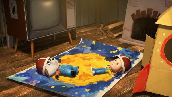 Mascha und Panda spielen Mondlandung.  | Rechte: KiKA/Animaccord LTD