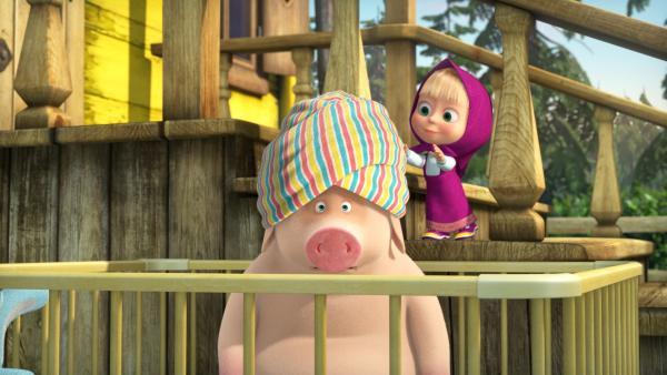 Das Schwein muss Maschas Baby herhalten.  | Rechte: KiKA/Animaccord LTD