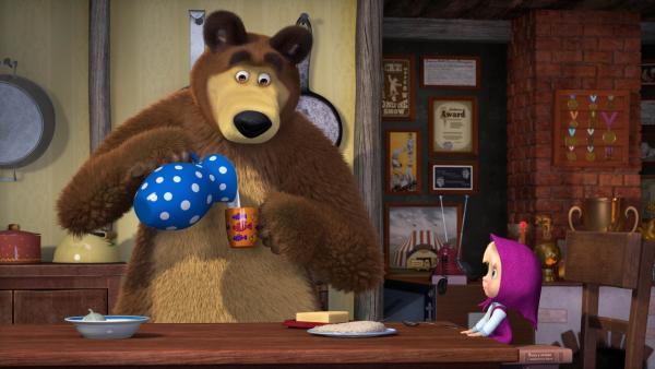 Hafergrütze zum Frühstück? Das geht überhaupt nicht. Mascha lässt sich vom Bären nicht überzeugen. | Rechte: KiKA/Animaccord Animation Studio