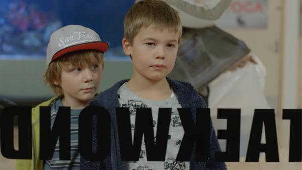 Anders als sein Freund Marlon (Martin Evensen, re.) kann sich Hugo (Petter Mortensen, li.) nicht so für Taekwondo begeistern. | Rechte: WDR/NRK Super/Beta Film GmbH