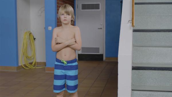 Sander (Leon Rørtveit Sølland) traut sich nicht ins Wasser. | Rechte: WDR/NRK Super/Beta Film GmbH