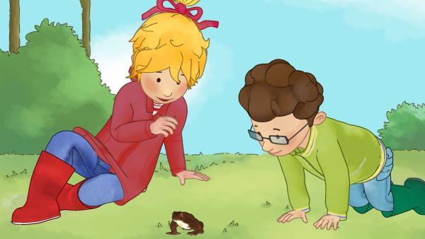 Conni und Simon haben eine Kröte entdeckt. | Rechte: ZDF/Henning Windelband/Youngfilms GmbH