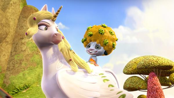 Phuddle (oben) hat beschlossen von nun an eine Elfe zu sein und Mia zu helfen. | Rechte: ZDF/2012 Lucky Punch/Rainbow/March Ent.