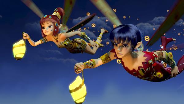 Yuko (li.) und Mo (re.) fliegen durch den mondhellen Nachthimmel von Centopia. | Rechte: ZDF/2012 Lucky Punch/Rainbow/March Ent.